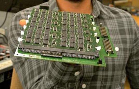 IBM presenta un sistema de almacenamiento más rápido que el SSD